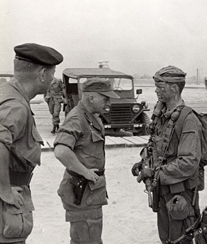 Lt. Gen. Richard Stilwell inspects RT Idaho One-Zero John S. Meyer at CCN April 1969.